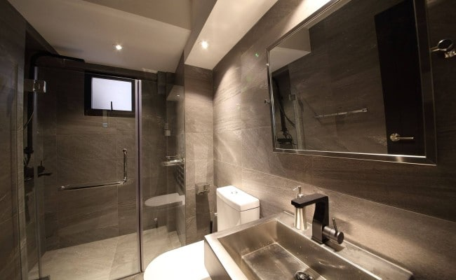 5 Enthralling Bathrooms that Dazzle with Elegance and Class (3)