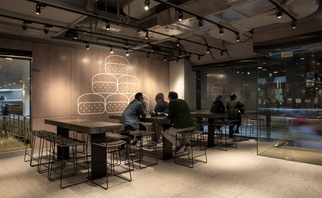 Non-Design-McDonalds_Landini-Associates_Hong-Kong_dezeen_936_17