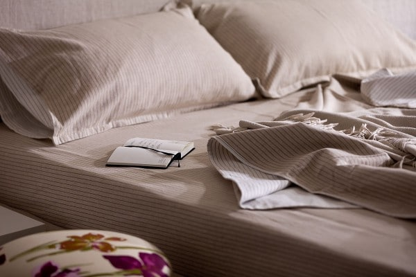 striped-bedsheets-600×400