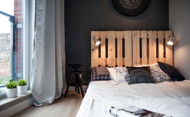 Sconce-lights-in-the-bedroom-for-those-who-love-to-read-in-bed