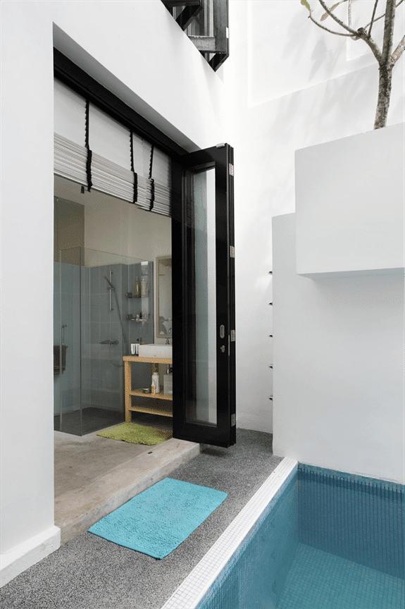 5 SPECTACULAR BI FOLDING DOORS IN LIVING ROOM