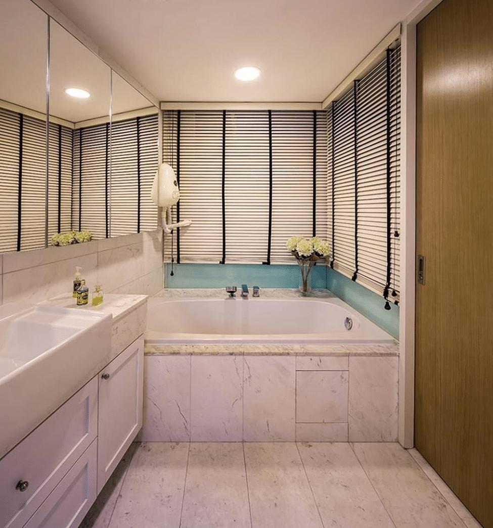 Bathroom door (5)