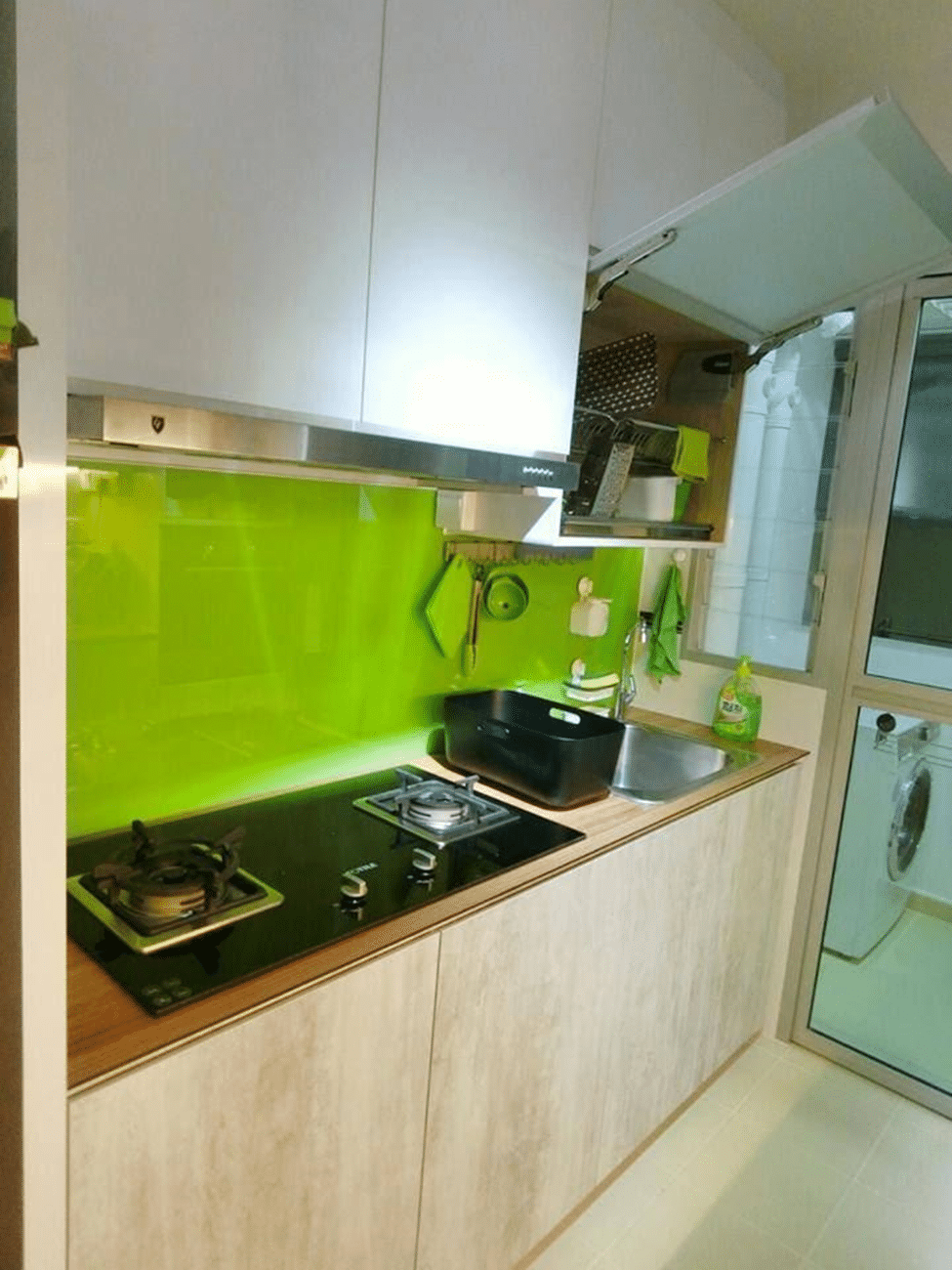 Vibrant kitchen backsplash Kitchen backsplash ideas singapore
