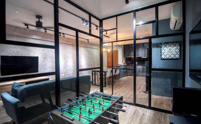 Scandinavian apartment combining glass with wooden flooring, concrete floor! (9)