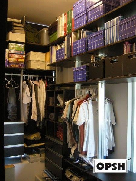 Walk in wardrobe (1)