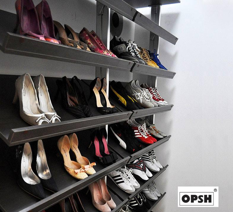 Walk in wardrobe (4)