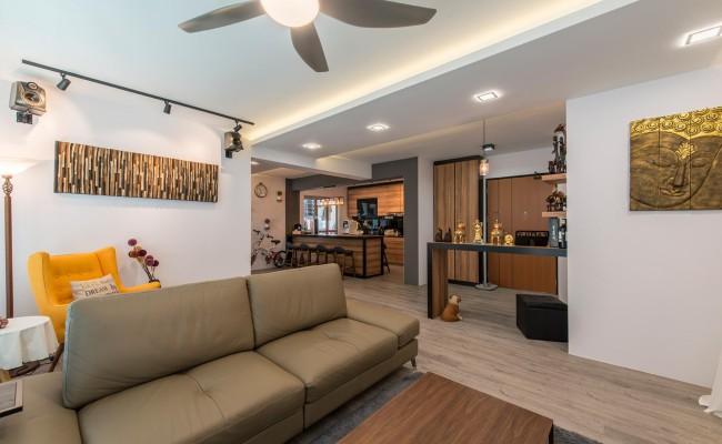 Modern Resort theme with plenty of wood