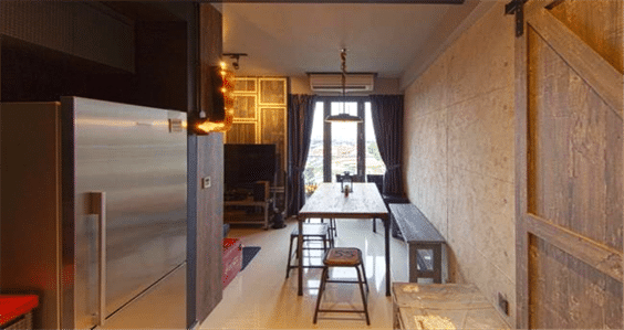 Five Standout Kitchen Bar and Stools (4)