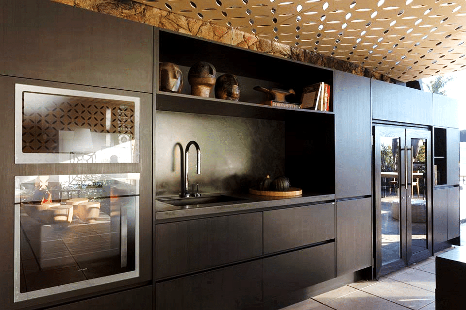 Use the Power of Innovative Surfaces to make spectacular Kitchens (3)