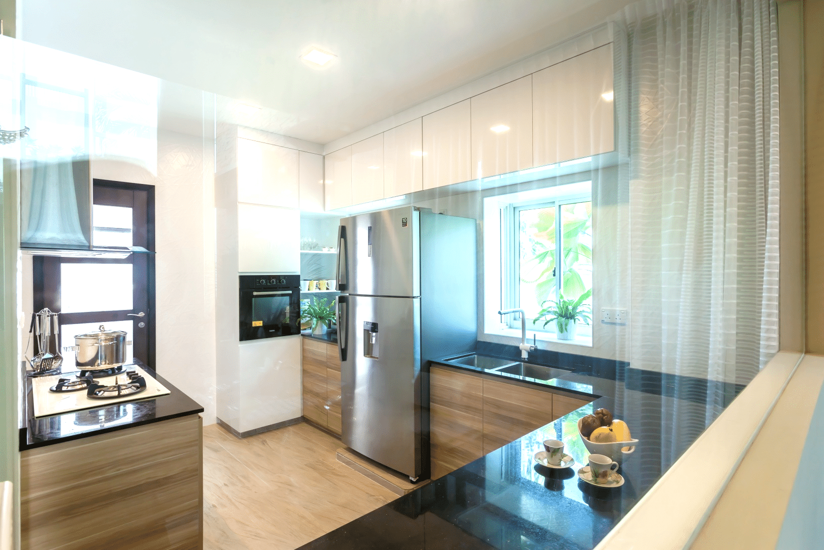 Beautiful Kitchens with Natural Beauty of Black Granite (3)