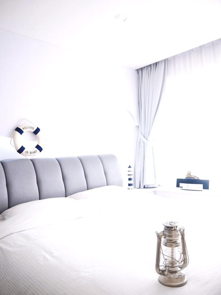White on White – Eerie yet Spectacular (1)