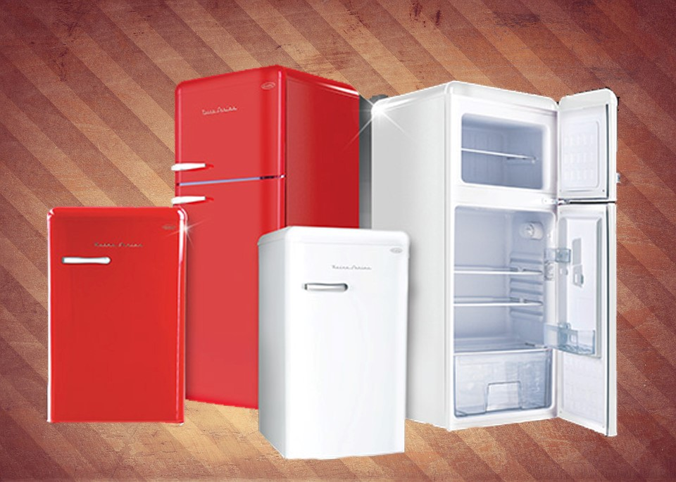 Retro Fridge - A combo of traditional and new (1)