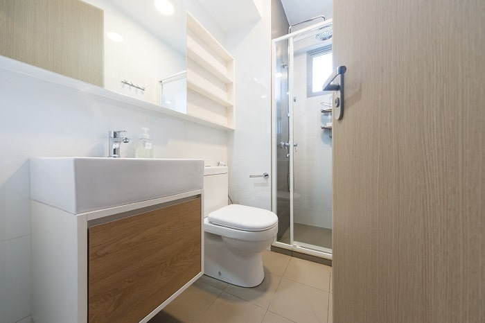 7 ways to embrace the small bathroom style