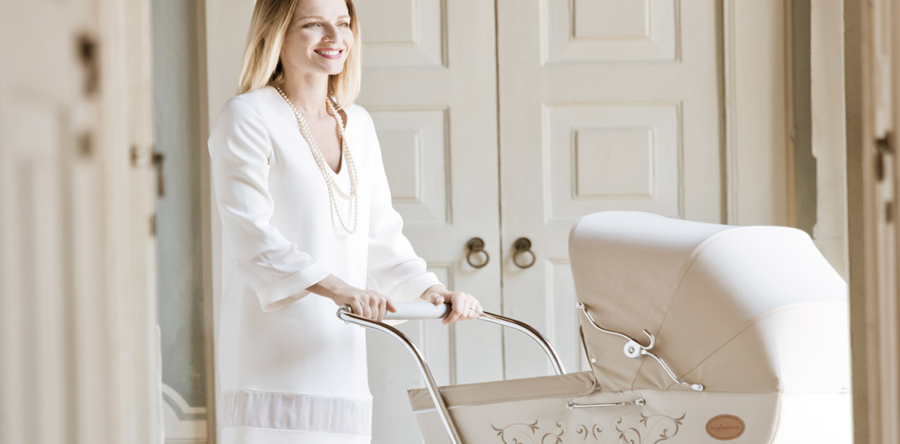 Walk Your Baby with Class and Comfort in the Charming 'Classica' Stroller
