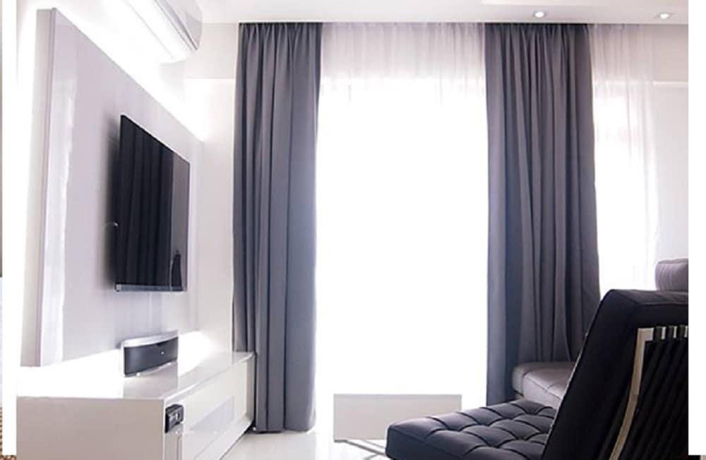 5 Amazing & Inspirational Curtain Designs