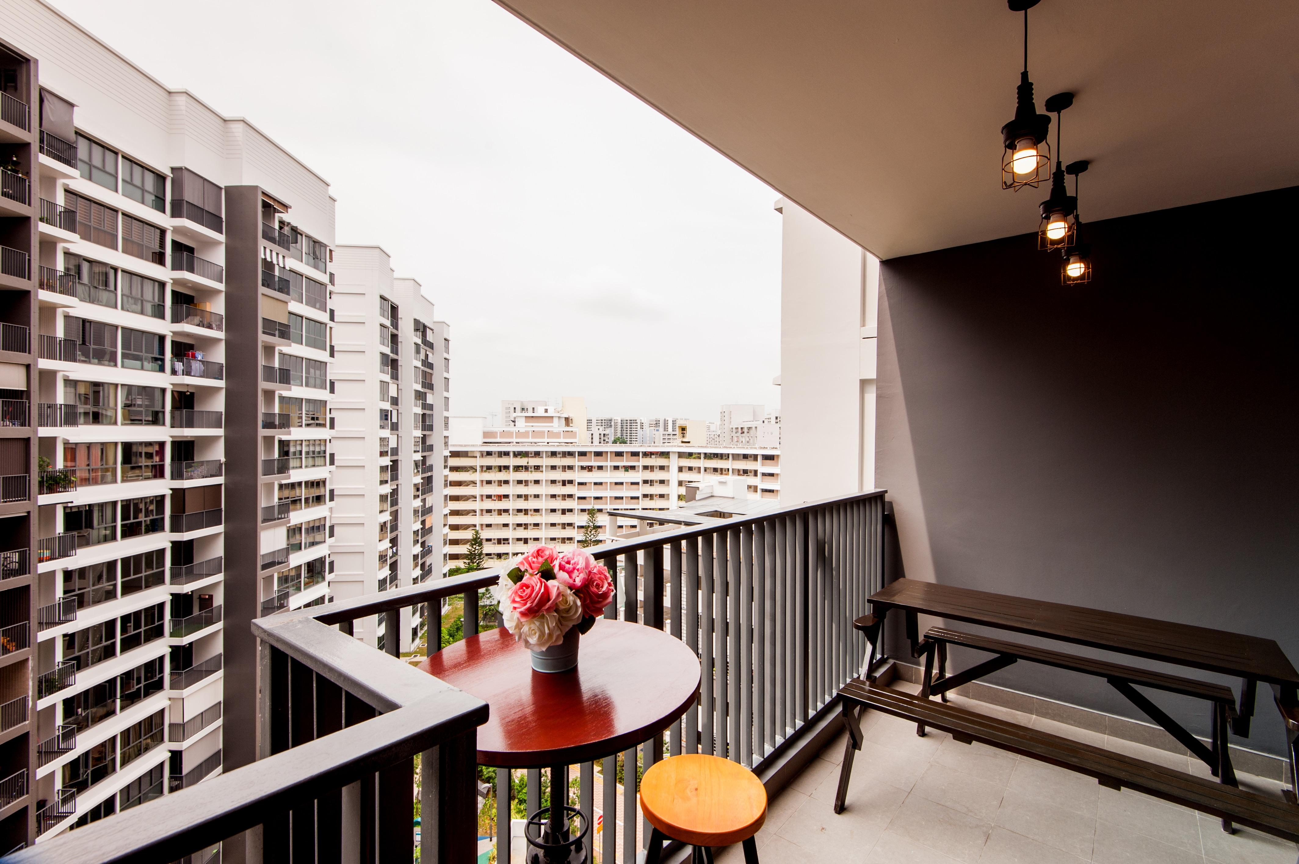 Home room interior design and custom carpentry singapore for Hdb balcony design