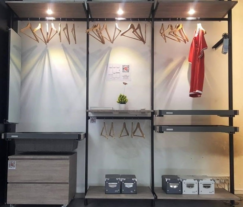 Wardrobe Flexibility and Personalization with Excel's Korean Pole System
