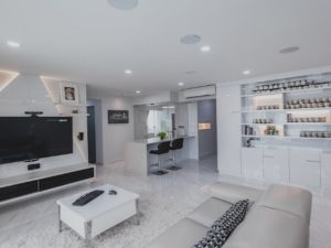 5 ways to add a warm touch to your white interior designs