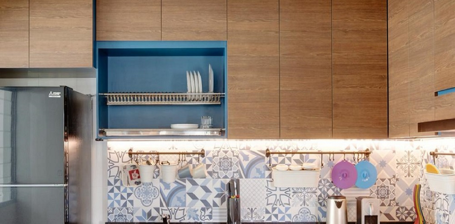 Creative ways to manage your over-cabinet spaces