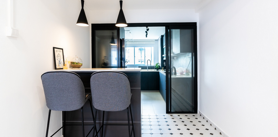 5 ways you can add interest to your black and white colour scheme