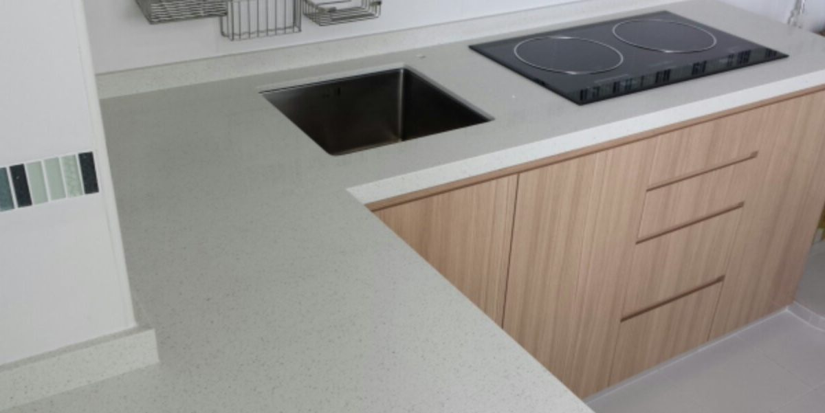 You Have To Watch This Before Choosing Your Kitchen Sink (iQuartz)