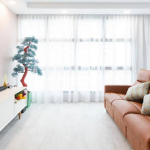 3 Homes That Rock The Bright-And-Airy Vibe Vs. 3 Homes That Are Opposite