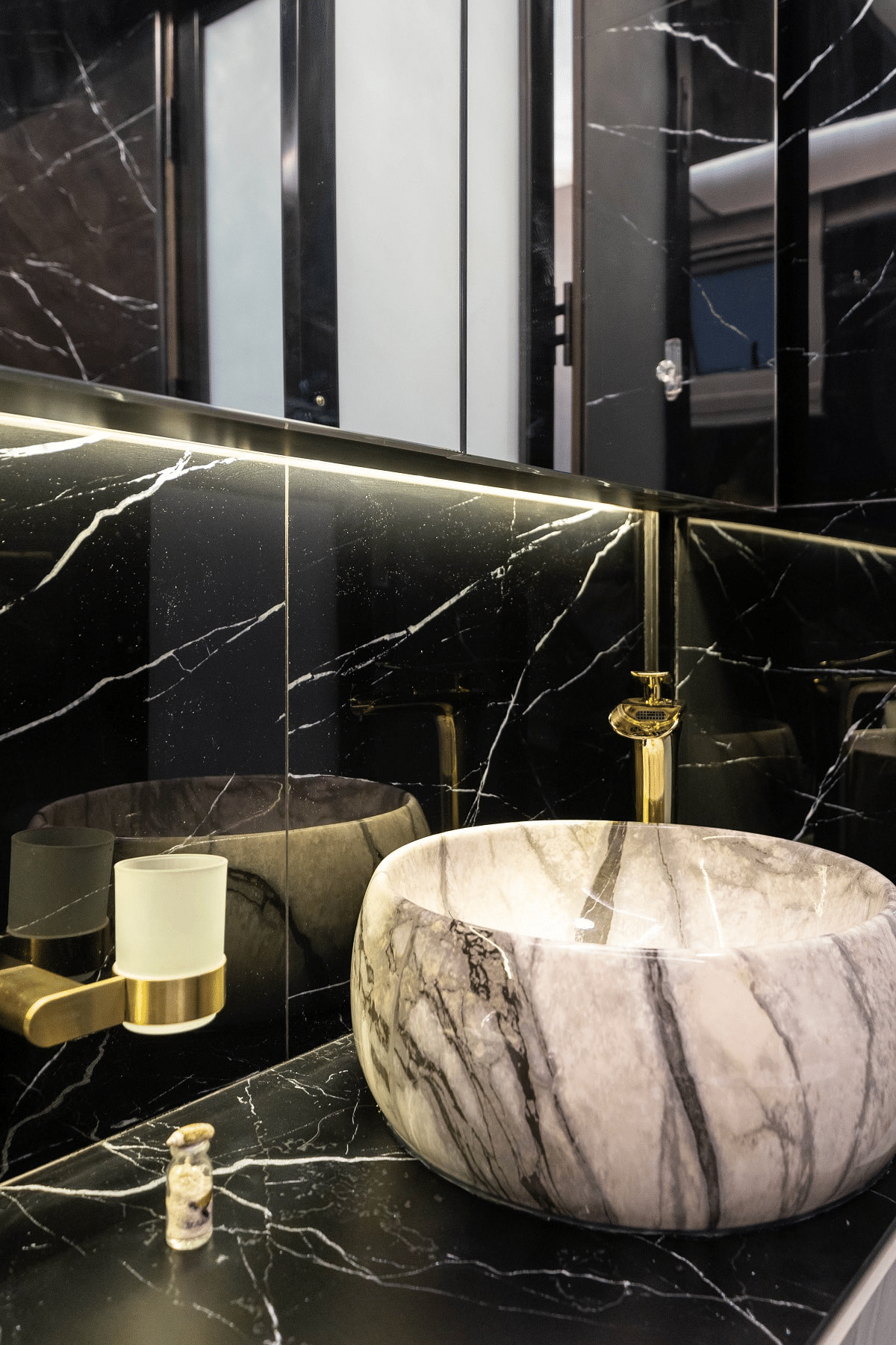 How To Achieve Luxurious Look With Marble