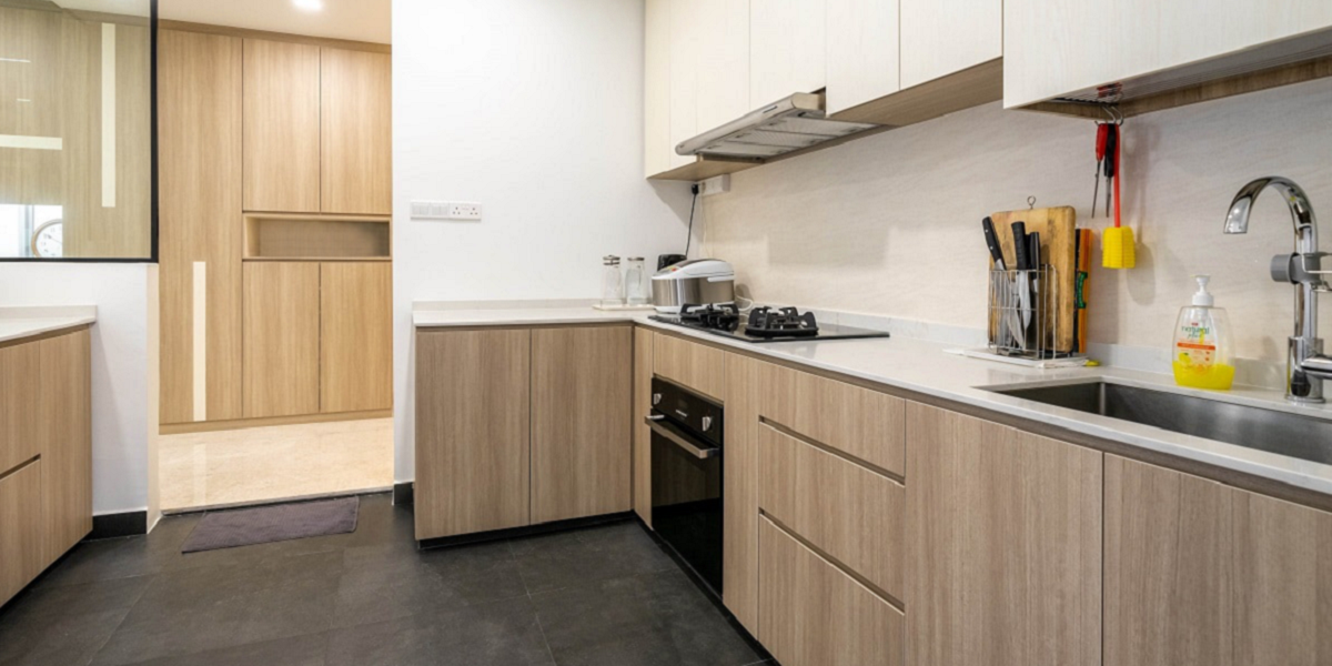 4 Beautiful Kitchen Design With Wood Glossy Floor